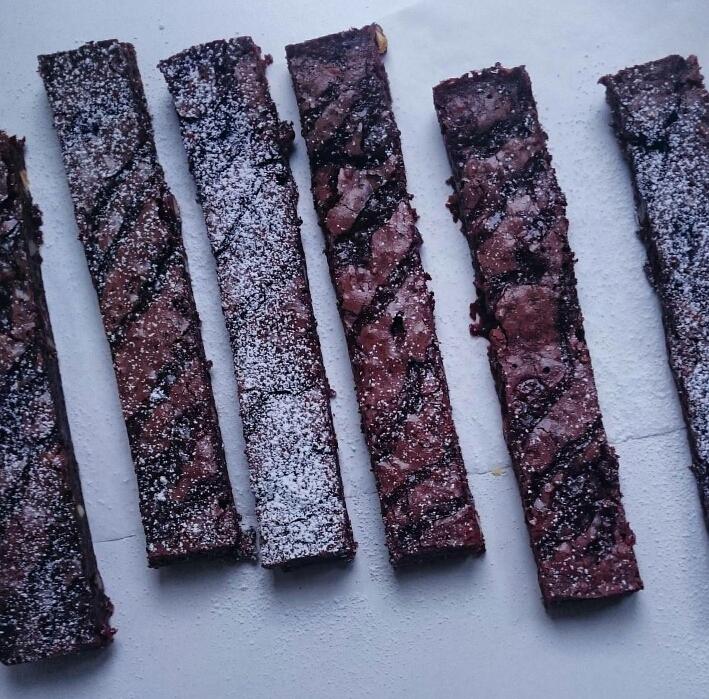 100% Dark Chocolate Brownie with Caramel