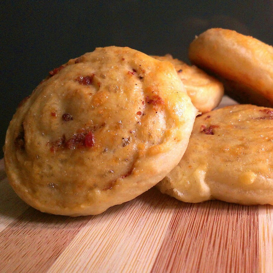 Cheesy Rolls with Bacon and Black Pepper