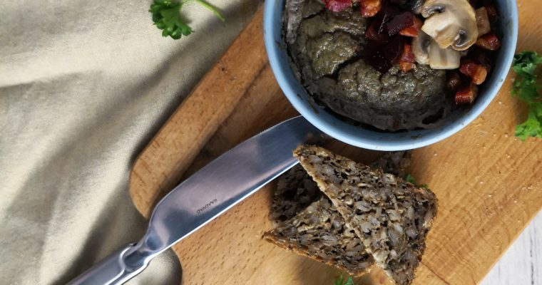 Chicken Liver Paté with Apple and Bacon