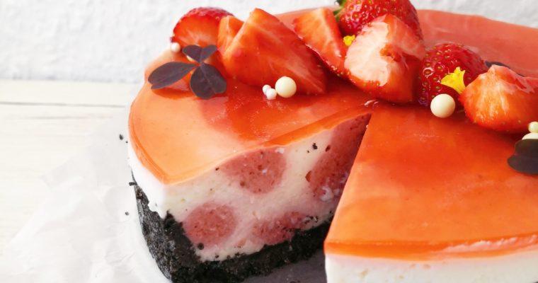 Jordbær- og Yoghurtmoussekage
