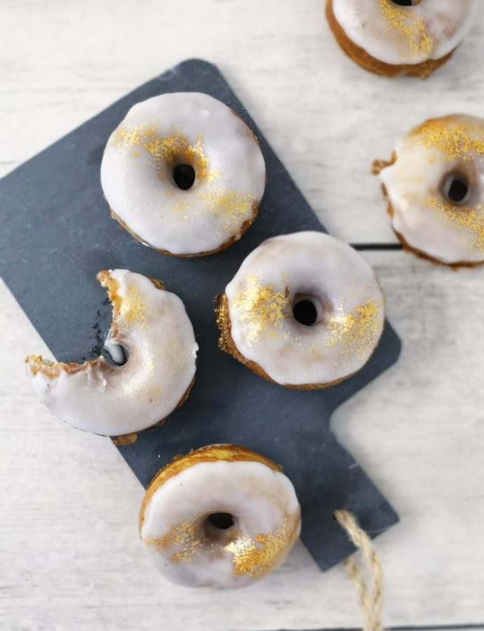 Ricotta Doughnuts with Lemon